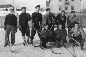 HOZ - Lawrence Munro - navy boys playing a game of hockey